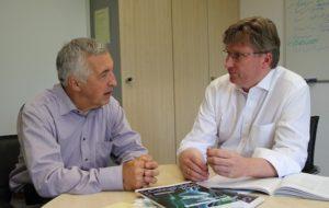 Dr. Holger Bengs im Gespräch mit Dr. Siegfried Bialojan.