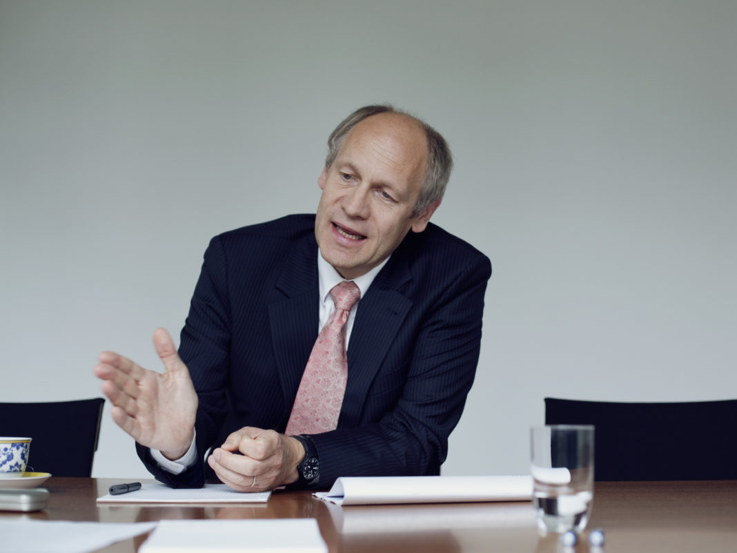 Dr. Hendrik Leber auf der 12. Acatis Value Konferenz in Frankfurt