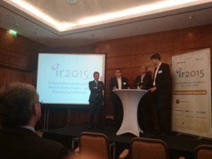 Raimund Brichta,  Horst Betram, Dr. Bernd Neubacher und Peer Leugermann diskutieren über den Umgang zwischen Journalisten und IR-Verantwortlichen