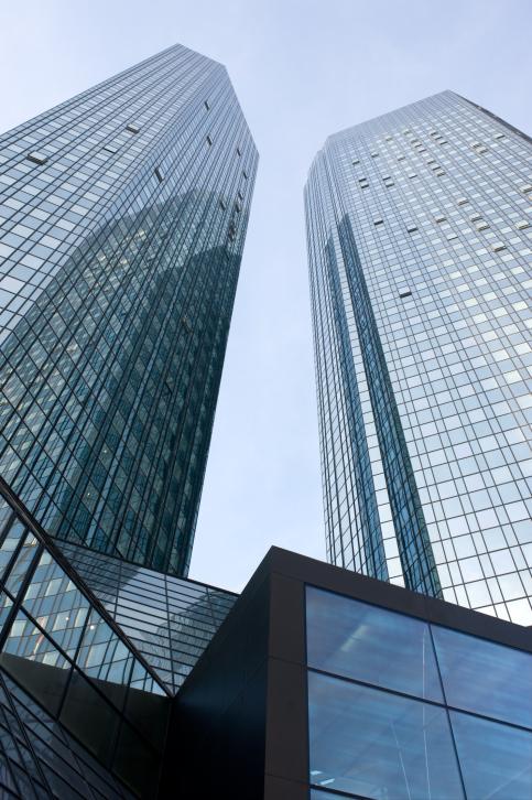 Deutsche Bank: Entscheidung über Fortentwicklung der weiteren Strategie im zweiten Quartal