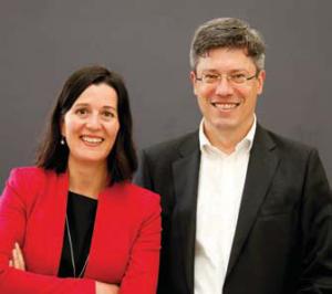 Carolin Amann (FTI Consulting) und Tobias Erfurth (Symrise AG) über grenzüberschreitende Investor Relations