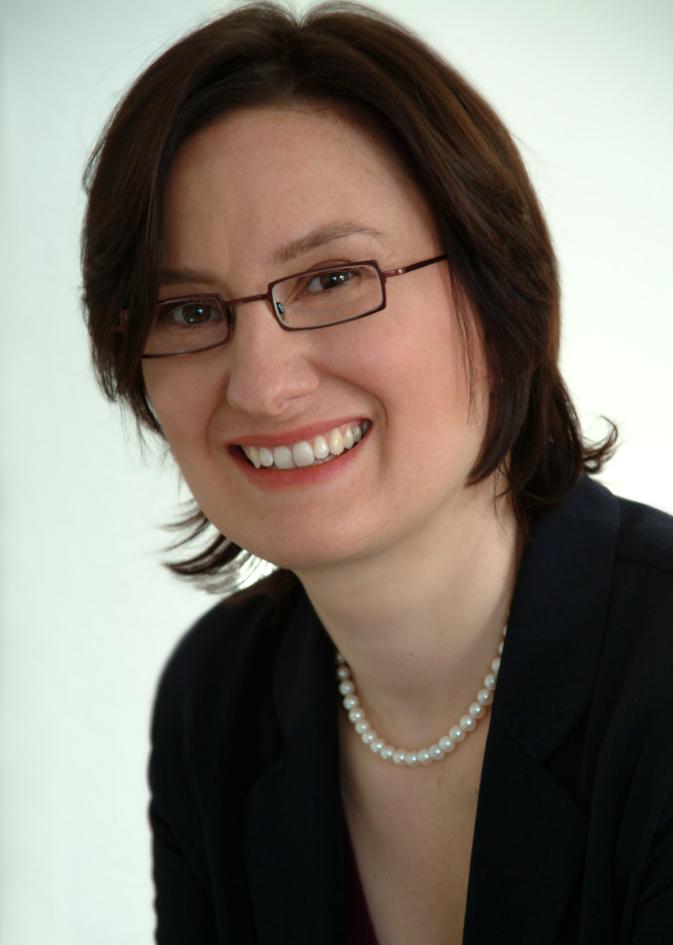 Dr. Charlotte Brigitte Looß neu bei Mathée.