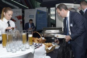 Gemeinsam mit der Münchener IR-Agentur max. Equity Marketing steuerte die GoingPublic Media AG ein traditionell bayrisches Weißwurstfrühstück bei