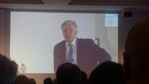 Hoher Besuch beim diesjährigen Alpensymposium: Klaus Wowereit, Ex-Bürgermeister von Berlin, über seine spannende Amtszeit.