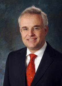 Dr. Volker Heischkamp ist Leiter Treasury bei innogy. Zuvor leitete er bereits das Treasury der RWE AG und hatte diverse finanzwirtschaftliche Führungsfunktionen im In- und Ausland inne.