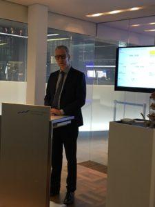 IBU-tec CEO Ulrich Weitz während des IPO-Events auf dem Börsenparkett.