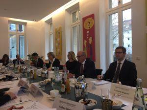 Gemeinsam mit der Börse Stuttgart hat das Deutsche Aktieninstitut die neueste Studie vor Medienvertretern präsentiert.