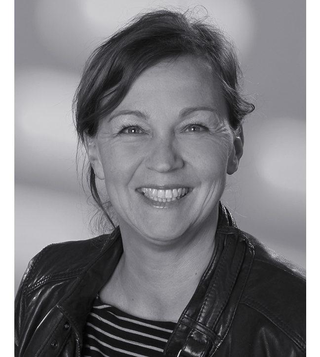 Dr. Pamela Aidelsburger