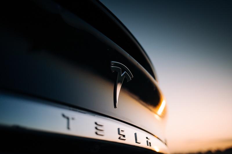 Tesla-kritisiert-Genehmigungsverfahren-in-Gr-nheide-Aktie-vorb-rslich-st-rker